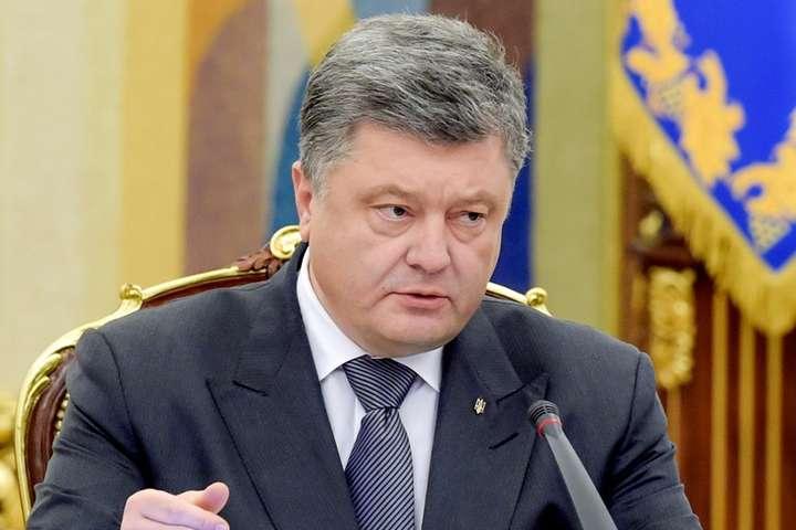 Порошенко висловив співчуття з приводу теракту в Керчі та падіння Су-27 на Вінниччині