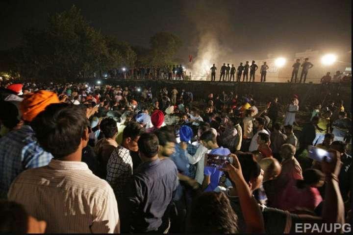Жертвами залізничної катастрофи в Індії стали вже 59 людей