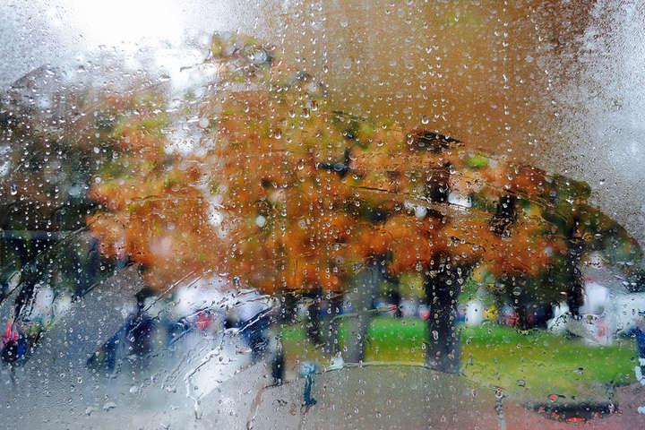 Похолодання та дощі: прогноз погоди на неділю