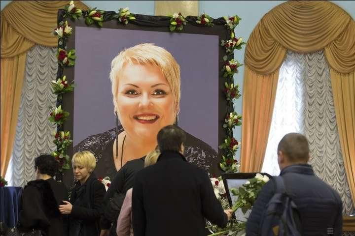 Київ попрощався із зіркою «Дизель шоу» Мариною Поплавською (відео)