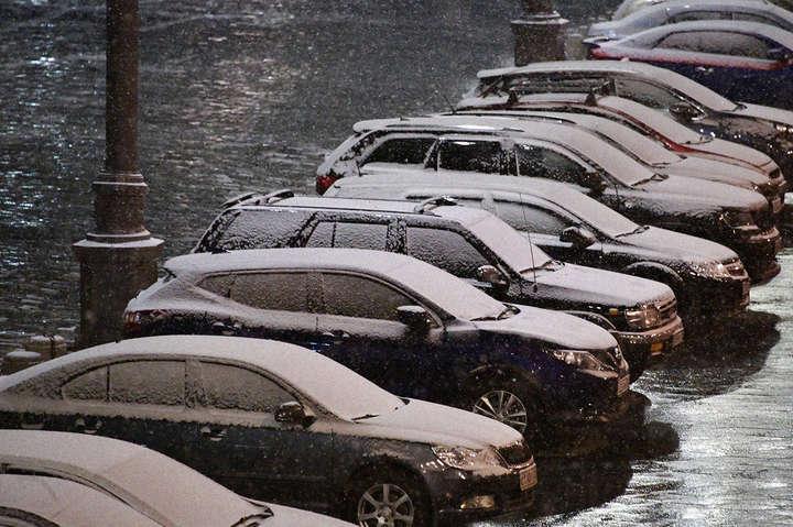 Зима атакує столицю країни-агресора: Москву засипало снігом