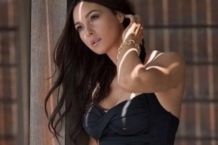 <span>Моника Беллуччи</span> - 54-летняя Моника Белуччи снялась для модного глянца