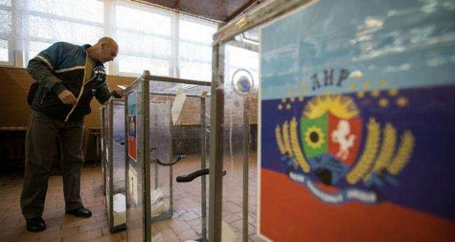 Окупанти «солодкими ватрушками» заманюють населення на вибори