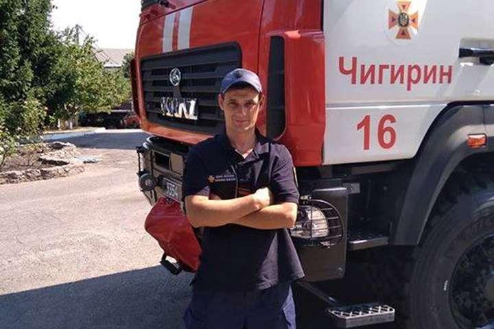 <p>Рятувальник: Артем Андрієнко: Я ледве встиг уникнути зіткнення</p> - На Черкащині водій знепритомнів за кермом: поряд випадкового опинився рятувальник