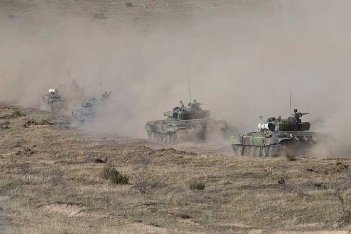 У Сербії провели масштабні військові навчання - Сербія провела масштабні військові навчання