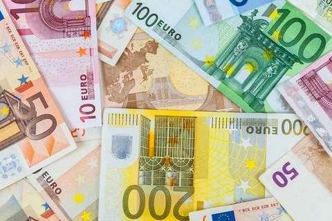 На зустрічі міністрів фінансів єврозони йшлося про реформу валютного союзу, у тому числі бюджет єврозони і розвитокЄвропейського стабілізаційного механізму — У Брюсселі досягли згоди про реформу єврозони