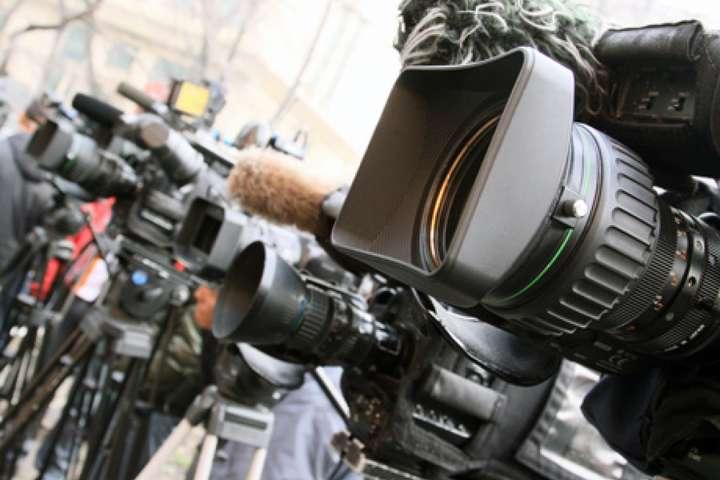 З даними ІМІ, найбільшу кількість порушень експерти зафіксовали в категорії «перешкоджання законній журналістській діяльності» - 9 (жовтень - 8, вересень - 5, серпень - 4) - У листопаді в Україні зафіксували 18 випадків порушення свободи слова