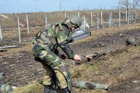 Протягом останніх двох тижнів наші саперні підрозділи перевірили більше 106 га території та знешкодили 893 одиниці вибухонебезпечних предметів - За два тижні сапери знешкодили майже 900 мін на Донбасі