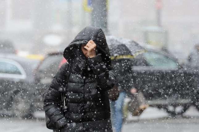 Вночі у Києві очікуються складні погодні умови