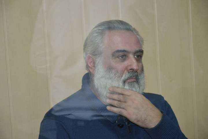 Екс-директор дитячого табору «Вікторія» Петрос Саркісян у суді - Суд продовжив арешт екс-директору одеського табору «Вікторія»
