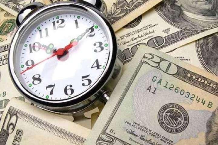 <p>Смолій вважає обґрунтованою потребу підписати нову програму з МВФ</p> - За два роки Україна має віддати 12 млрд доларів боргів – голова НБУ