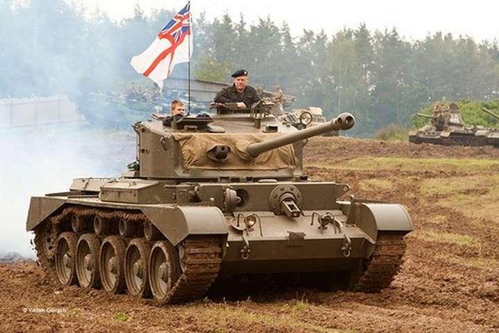 Британськібронемашини, фото ілюстративне - Британія перекине в Естонію танки