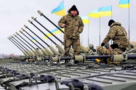 Армія за місяць воєнного стану отримає понад 300 одиниць техніки
