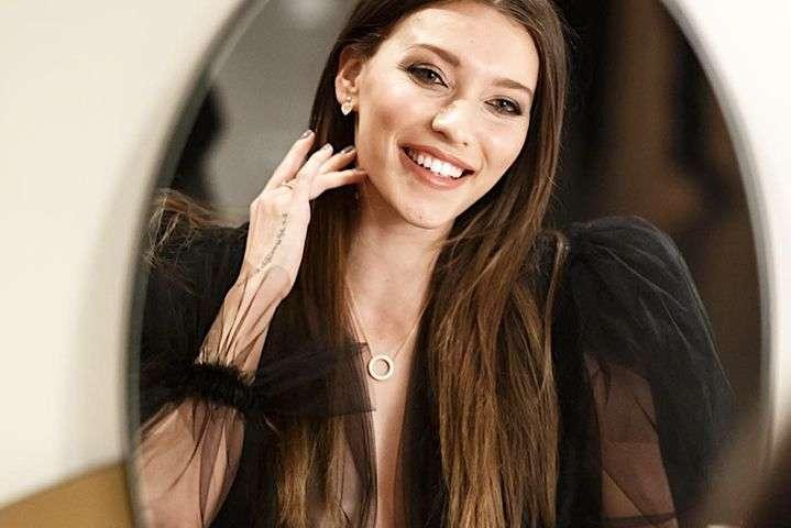 Регина Тодоренко пожаловалась в сети на лишние килограммы