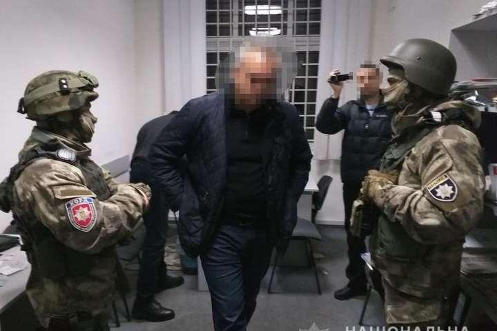 <p>Депутату &laquo;світить&raquo; до семи років ув&rsquo;язнення</p> - Спецпризначенці затримали за вимагання депутата Вінницької облради