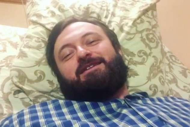 Михайло Хома наразі перебуває у лікарні після нападу - Dzidzio з лікарні привітав українців з Новим роком: Все буде набагато краще