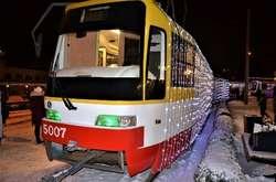 Фото: — Різдвяний парад трамваїв в Південній Пальмірі