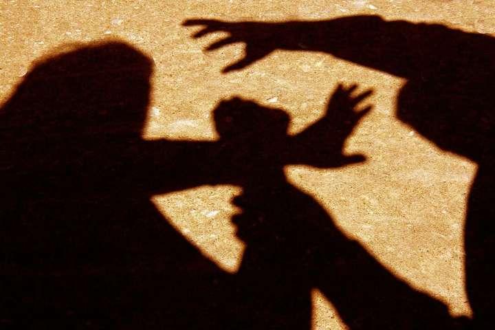 Розбійники скоїли напади пізно ввечері — На Київщині затримано двох молодиків, які нападали на жінок