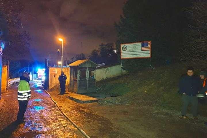 У Празі сталася пожежа на території американського посольства
