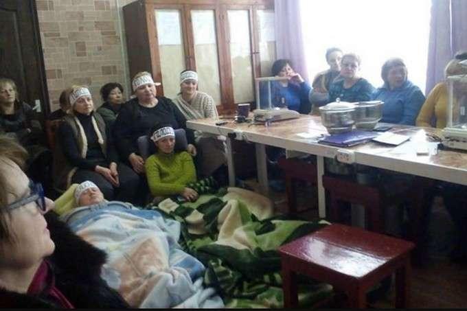 <p>Протест співробітниць шахти на Донбасі</p> — Працівниці шахти на Донеччині припинили голодування через невиплату зарплати