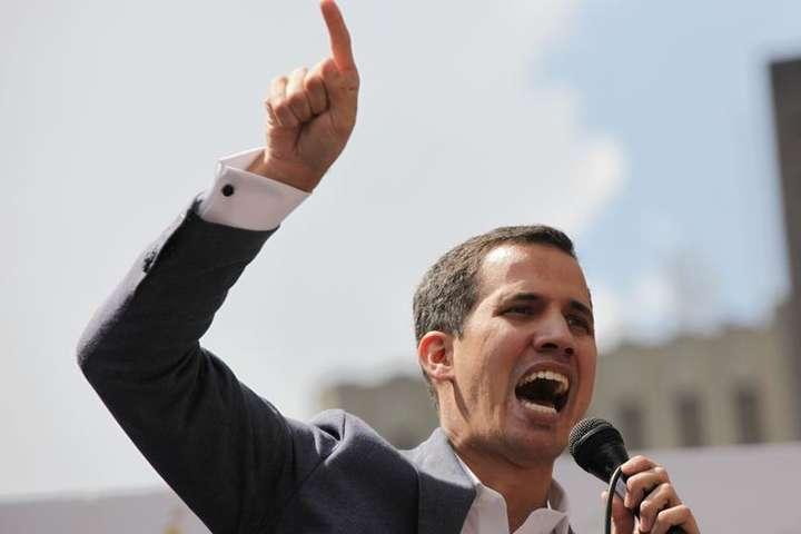 Новий голова парламенту Венесуели готовий оголосити себе президентом з