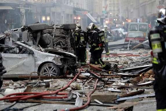 Вибух у Парижі: загиблі пожежники прибули на виклик щодо витоку газу д