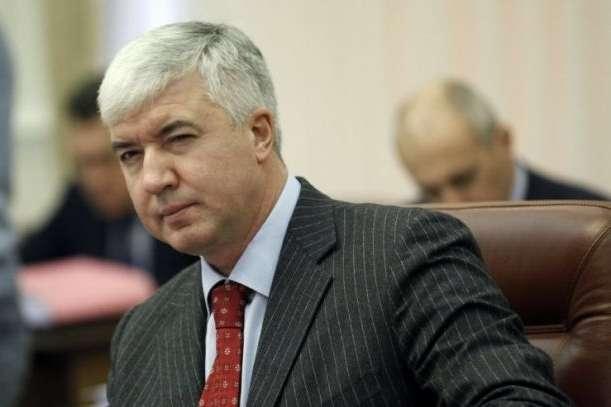 Міністру оборони часів Януковича оголосили підозру