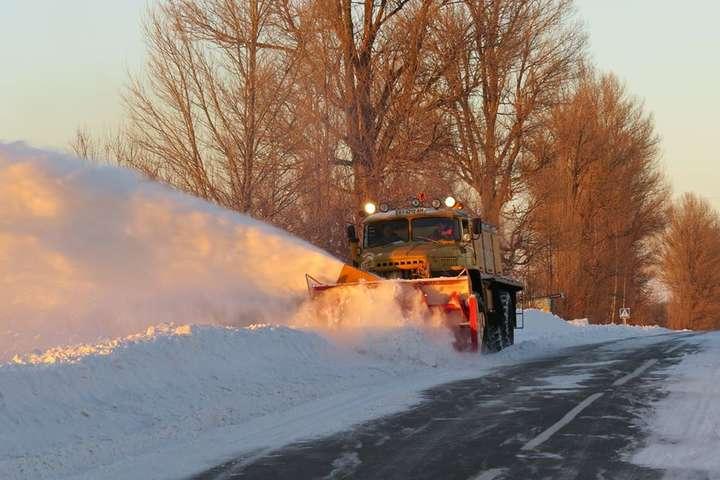 Діє обмеження на в'їзд великовагового транспорту у м. Кропивницький з 9-30 23 січня по а/д М-12, Н-14, Н-23, які розчищені від снігу