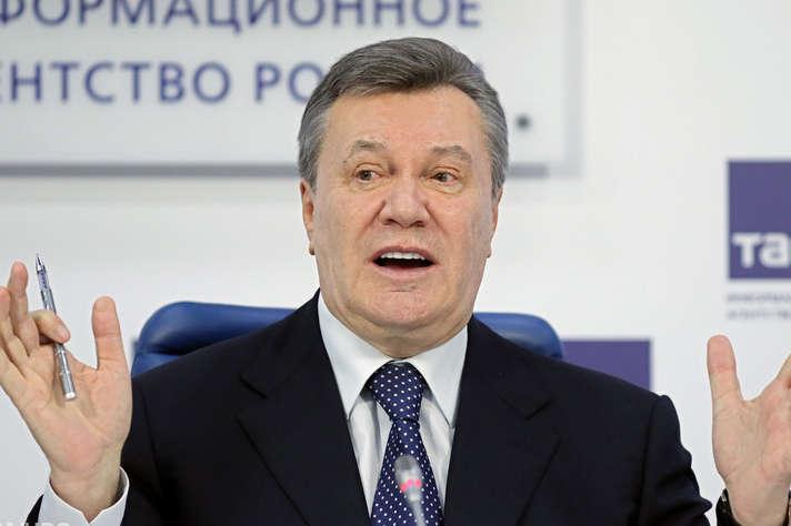 В Українібіглого президента України ВіктораЯнуковичвзасудилидо 13 роківув'язнення — Янукович завтра проведе прес-конференцію у Москві