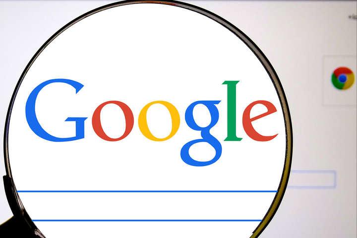 З листопада 2017 року посилання на сайти, що потрапили до реєстру Роскомнагляду, зобов'язані видаляти зі своєї видачі і пошуковики — Google вже видаляє посилання на заборонені в Росії сайти