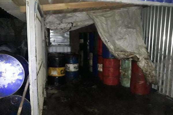 На Харківщині четверо чоловіків тоннами крали нафтопродукти