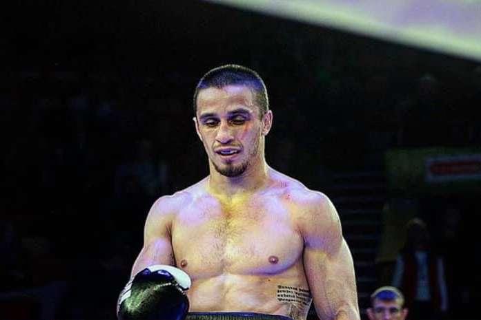 Денис Лазарєв намучився брудним стилем суперника - Непереможний український боєць виграв черговий бій завдяки дискваліфікації суперника