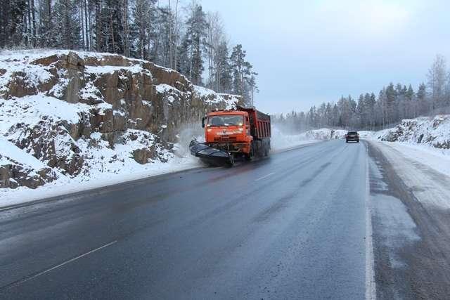 Проїзд на дорогах державного значення забезпечено - «Укравтодор» звітував про стан проїзду на основних дорогах