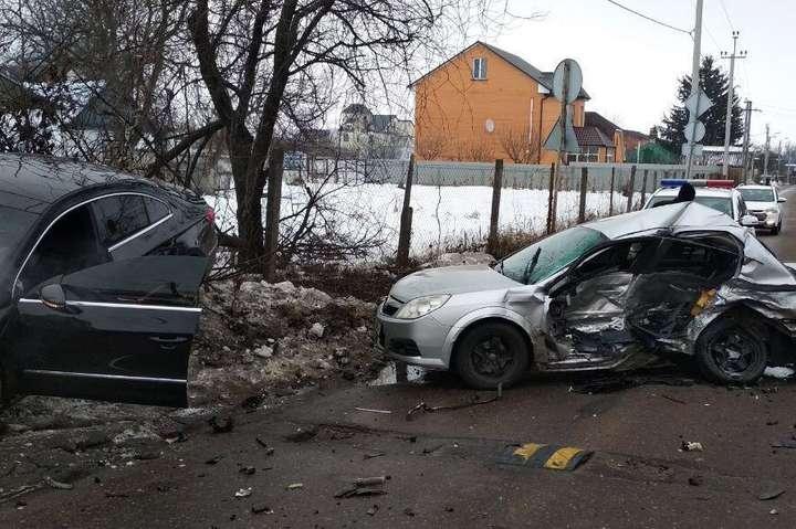 В результаті ДТП водій авто Opel від отриманих травм загинув одразу - В автівці, що влаштувала смертельну ДТП під Києвом, виявлено боєприпаси