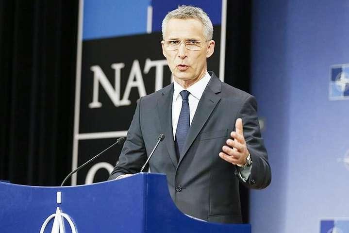 <span>Генеральний секретар НАТО Єнс Столтенберг заявив, що подальші кроки Альянсу будуть<span>скоординованими, обмеженими та оборонними</span></span> - НАТО не має наміру втягуватися в нову гонитву озброєнь − Столтенберг