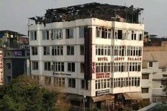Кілька постояльців готелю отримали опіки, їх госпіталізували в критичному стані - МЗС перевіряє, чи були українці в готелі, який горів у Нью-Делі