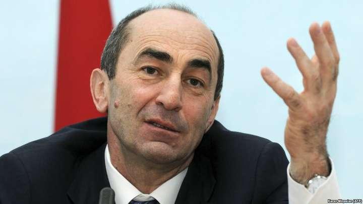 Екс-президента Вірменії звинуватили в отриманні хабара