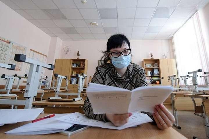 На Львівщині через кір та грип закрили 231 школу