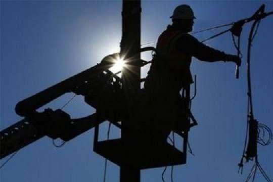 Бригади обленерго ремонтують обірвані лінії електропередач - В Україні без світла лишилися 188 населених пунктів