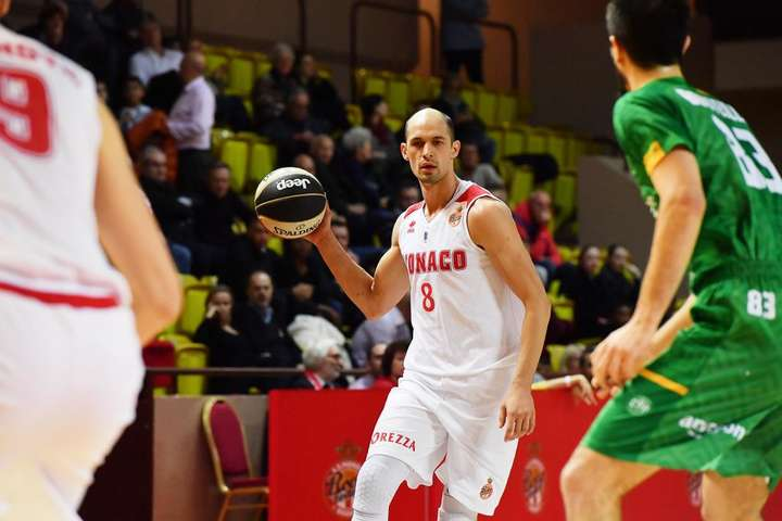 Українець провів у грі 29 хвилин, за які встиг набрати 11 очок - Український баскетболіст вивів «Монако» в чвертьфінал Кубка Франції