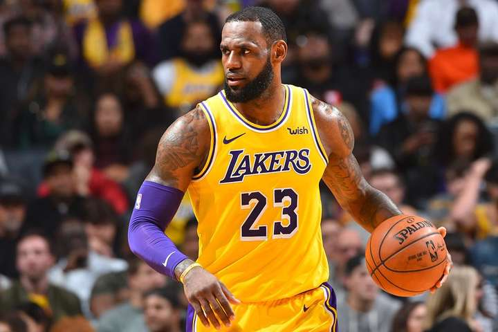 Неігровий дохід Джеймса включає вигідні спонсорські угоди з Nike, Coca-Cola і Beats By Dre - Forbes назвав найбільш високооплачуваного гравця НБА