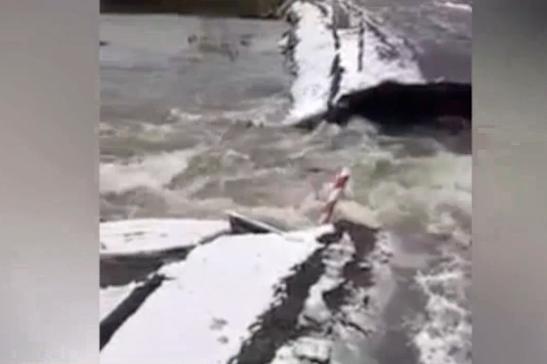 На Житомирщині паводок зруйнував міст