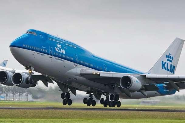 У найбільшому аеропорту Нідерландів зіткнулися два авіалайнери з пасажирами
