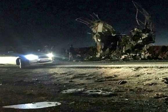 <p><span>За офіційною інформацією іранських військових, автобус прямував у місто Хаш-Захедан<o:p></o:p></span></p> - В Ірані смертник підірвав автомобіль: загинули щонайменше 20 людей