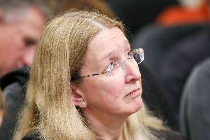 Суддя запитав про наявність розпорядження Кабміну, яким Уляні Супрун частково дозволено виконувати обов'язки міністра охорони здоров'я після відсторонення її від посади судом - Суддя у справі Супрун повернувся до нарадчої кімнати