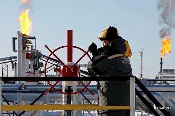 <p>За розрахунками, кожен додатковий долар до ціни на нафту дає бюджету РФ до 90 млрд рублів додаткових доходів</p> - Різниця між ціною на нафту Brent і Urals зменшується