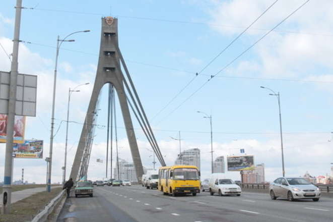 У середу буде обмежено рух транспорту Північним мостом