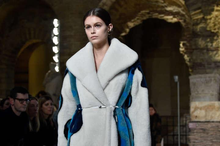 <span>Lanvin осень-зима 2019/2020</span> - Неделя моды в Париже: яркие фото с показов