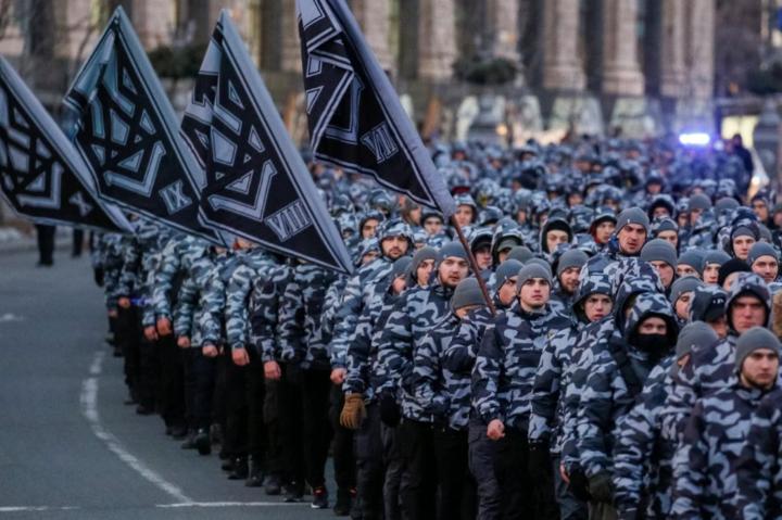 «Нацкорпус» 16 березня планує влаштувати зібрання на майдані Незалежності у Києві — У «Нацкорпусі» пригрозили новими акціями та «сюрпризом» для Порошенка