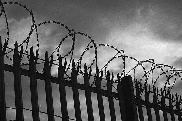 <p>Європейський суд зауважив, що сьогодні кожен довічно ув&amp;rsquo;язнений страждає, не маючи &amp;laquo;права на надію&amp;raquo; колись вийти на свободу</p> <p> &#8212; Європейський суд зобов'язав Україну реформувати систему перегляду довічного ув'язнення: експерти дали пояснення&#187;></p></div> <div class=